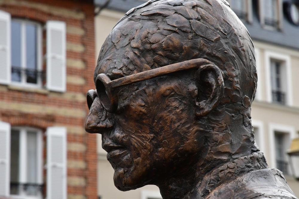 Le Corbusier statue
